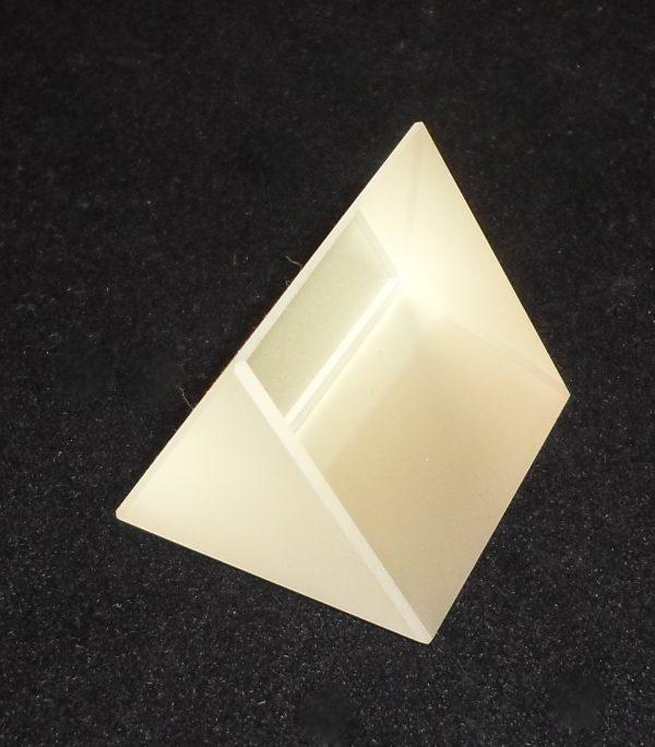 Prism - Spectrometer DFGLS 32 x 32mm, R.I. 1.65