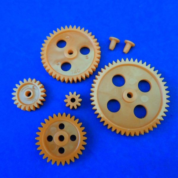 Set of 7 Gears including (10, 20, 30, 40 and 50 tooth gears and bushings)