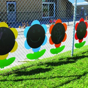 Outdoor Giant Chalkboard Flowers, 5Pcs