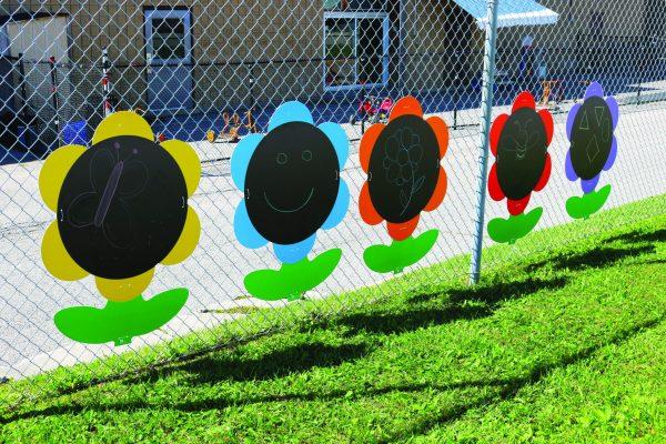 Outdoor Giant Chalkboard Flowers, 5Pcs