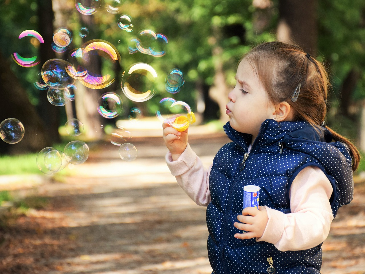 Kid blowing as soap bubbleImage by Daniela Dimitrova from Pixabay